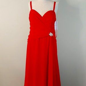NWT Faviana Plus Size Red Formal Gown Style 9252